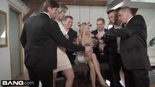 glamkore vinna et nikky prennent cinq mecs pour une baise en groupe